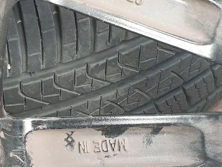 Комплект дисков с резиной от геленвагена за 1 100 000 тг. в Алматы – фото 5