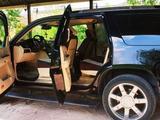Cadillac Escalade 2007 года за 8 000 000 тг. в Шымкент