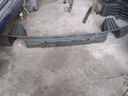 Усилитель бампер передний за 3 000 тг. в Шымкент