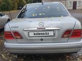 Mercedes-Benz E 200 1995 года за 1 900 000 тг. в Павлодар – фото 2