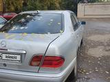 Mercedes-Benz E 200 1995 года за 1 900 000 тг. в Павлодар – фото 3