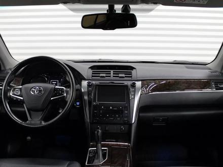 Toyota Camry 2017 года за 10 900 000 тг. в Семей – фото 9