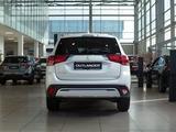 Mitsubishi Outlander Intense+ 4WD 2021 года за 14 290 000 тг. в Алматы – фото 4