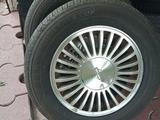Диски с летней резиной оригинал Nissan за 99 000 тг. в Алматы – фото 4