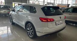 Volkswagen Touareg Комплектация Business Elegance 2021 года за 31 000 000 тг. в Алматы – фото 2