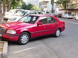 Mercedes-Benz C 180 1995 года за 1 500 000 тг. в Алматы – фото 2
