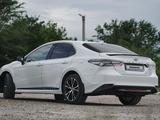 Toyota Camry 2020 года за 14 700 000 тг. в Семей – фото 4