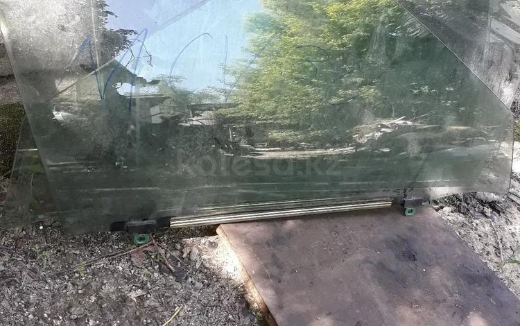 Стёкла дверные на ES 300 за 15 000 тг. в Алматы