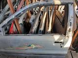 Дверь передний левый на Mitsubishi Colt 1992-1996 за 4 800 тг. в Тараз