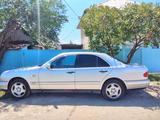 Mercedes-Benz E 230 1996 года за 2 000 000 тг. в Талдыкорган – фото 3