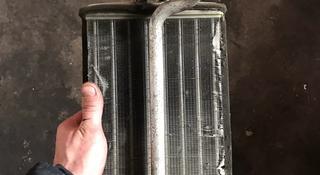 Радиатор печки на мерседес 210 контрактный за 10 000 тг. в Караганда