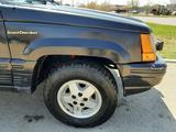 Jeep Grand Cherokee 1993 года за 2 222 222 тг. в Кокшетау – фото 2