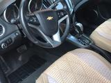 Chevrolet Cruze 2013 года за 3 700 000 тг. в Атырау – фото 5