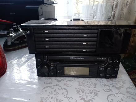 Мерседес.210 Магнитофон за 50 000 тг. в Алматы