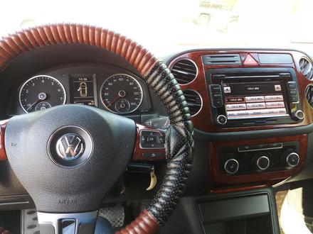 Volkswagen Tiguan 2011 года за 5 500 000 тг. в Актобе – фото 10