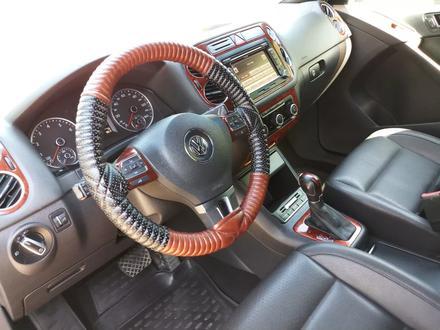 Volkswagen Tiguan 2011 года за 5 500 000 тг. в Актобе – фото 9