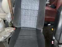 Передние сиденья на Subaru Outback привозные с японии за 50 000 тг. в Алматы