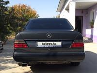 Mercedes-Benz E 220 1994 года за 1 850 000 тг. в Шымкент