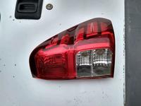 Фонарь правый Toyota Hilux в Костанай