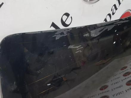 Стекло задние оригинал на Mercedes — Benz w210 за 6 025 тг. в Владивосток – фото 4