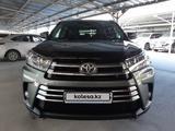 Toyota Highlander 2018 года за 22 400 000 тг. в Алматы – фото 2