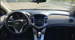 Chevrolet Cruze 2011 года за 2 600 000 тг. в Караганда – фото 5