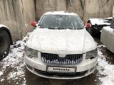 Skoda Superb 2011 года за 1 950 000 тг. в Алматы – фото 2