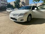Toyota Camry 2011 года за 6 800 000 тг. в Актобе – фото 4