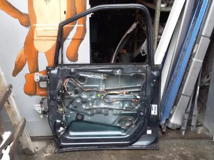 Дверь передняя павая и задняя на Toyota Estima (Previa) 1996… за 20 000 тг. в Караганда – фото 2