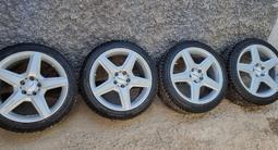 Оригинальный комплект зимних шин с дисками на шипах Amg за 420 000 тг. в Алматы