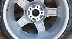 Оригинальный комплект зимних шин с дисками на шипах Amg за 420 000 тг. в Алматы – фото 5