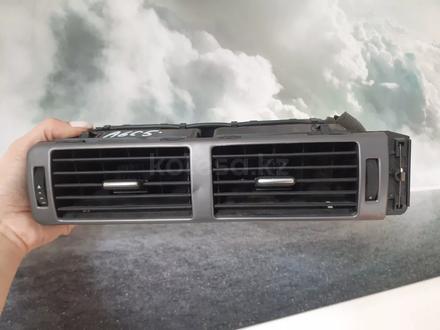 Дефлектор обдува салона на Ауди а6с5 за 5 000 тг. в Караганда