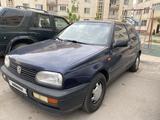 Volkswagen Golf 1991 года за 820 000 тг. в Алматы