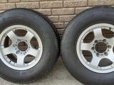 6.139.7 пара колес. Поштучно с шинами диски 265 70 16 за 30 000 тг. в Алматы