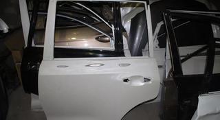 Дверь передняя задняя правая левая Lexus LX570 за 999 тг. в Караганда