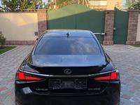 Lexus ES 250 2019 года за 25 000 000 тг. в Алматы