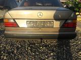 Mercedes-Benz E 260 1992 года за 222 222 тг. в Атырау