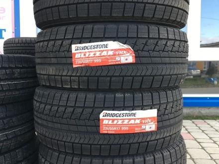 Шины Bridgestone 235/55/r17 VRX за 63 500 тг. в Алматы