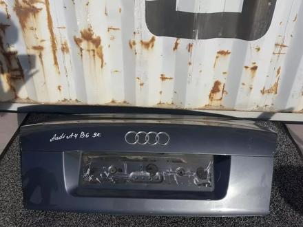 Крышка багажника Ауди а4б6 за 25 000 тг. в Караганда – фото 2