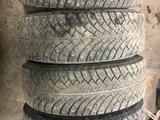 Шипованная резина bfgoodrich с железными дисками за 80 000 тг. в Темиртау – фото 2