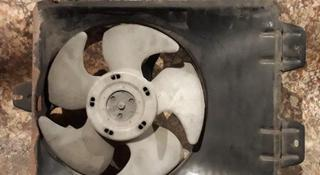 Вентилятор кондера в сборе с диффузором на Mitsubishi Carisma v1.8… за 7 000 тг. в Караганда