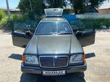 Mercedes-Benz E 230 1991 года за 1 850 000 тг. в Алматы – фото 2