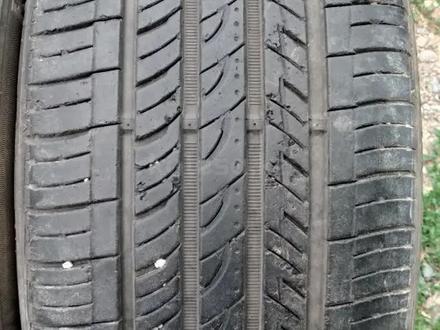 Комплект разноразмерных шин 245/40/18_265/35/18 roadstone за 60 000 тг. в Алматы – фото 5