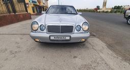 Mercedes-Benz E 320 1998 года за 2 900 000 тг. в Шымкент – фото 2