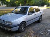 Volkswagen Vento 1993 года за 1 600 000 тг. в Талдыкорган – фото 4