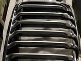 Решетка радиатора на BMW x7 за 120 000 тг. в Нур-Султан (Астана) – фото 2