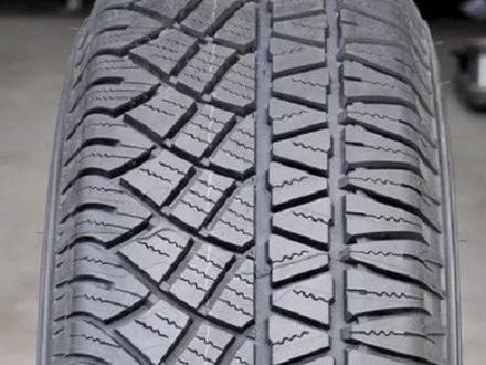 Шины Michelin 235/60/r18 за 61 000 тг. в Алматы