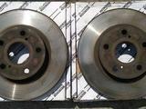 Тормозные диски на Тойоту Короллу e180 за 20 000 тг. в Костанай