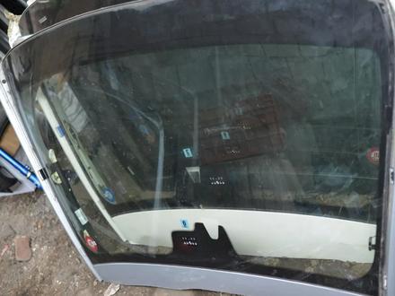 Стекло лобовое на мерседес S350 W221 за 3 000 тг. в Алматы