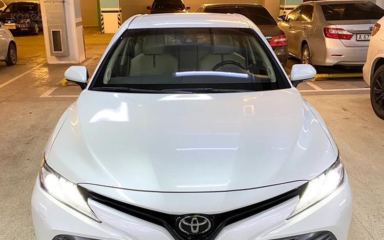 Toyota Camry 2018 года за 12 400 000 тг. в Алматы